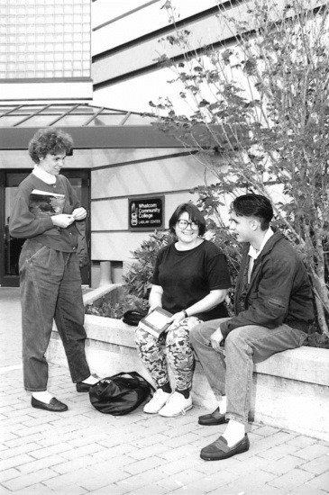 Students outside Laidlaw Center, 1990s